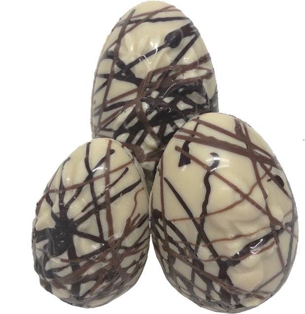 Assortiment holle picasso eieren witte chocolade